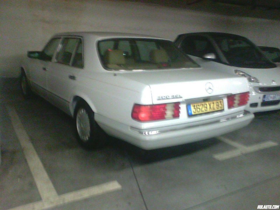 Vidjeni u Beogradu, u garazi jednog trznog centra....