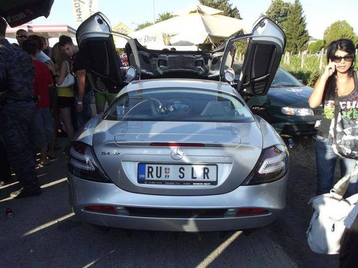 Mercedes-Benz SLR McLaren Snaga je povećana na 650 KSDodani su i novi aerodinamični dodaci, crne 19-inčne aluminijske felge i veći prednji diskovi.0-100 km/h - 3,6 s0-200 km/h - 10,2 s0-300 Km/h - 21,4 sMaksimalna brzina - 337 km/h