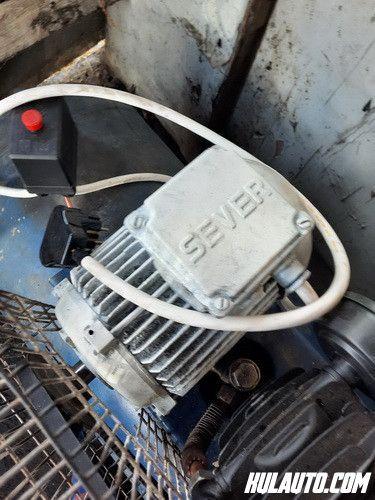 Vulkanizerska oprema komplet i masina za pranje polovne ali kao nove, sve su izservisirane.Cena 2200 euraKontakt 060 6136677
