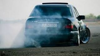 Mercedes-Benz w124 Mad Drift & Burnout